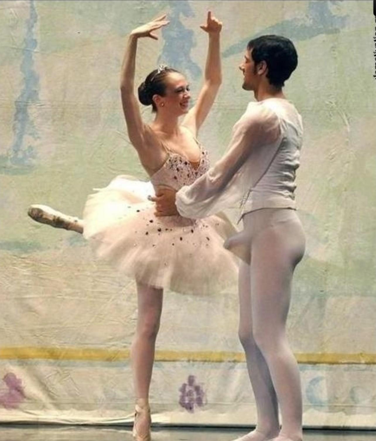 Балет где танцуют обнаженными